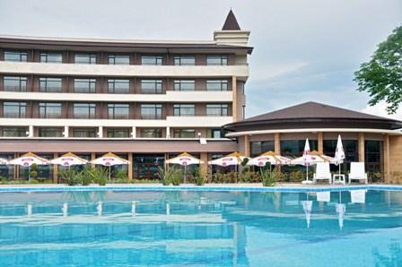 Открит басейн в хотел Севтополис